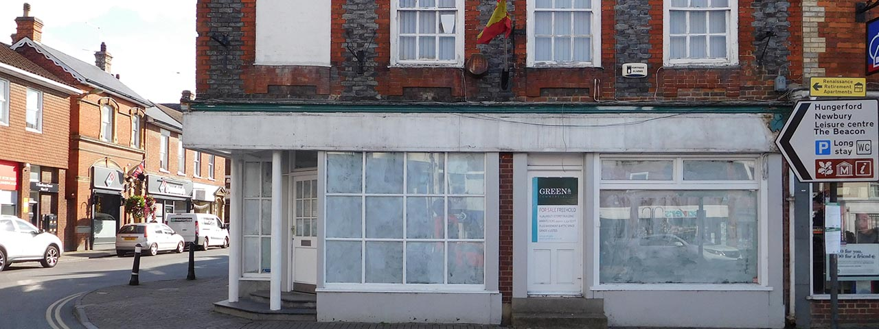 Empty shop in Wantage